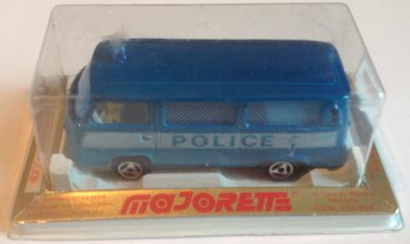 Majorette 244 police van